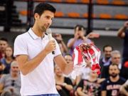 德约科维奇现身希腊做慈善 透露将在下赛季打澳网