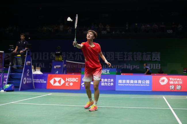 陈雨菲世锦赛首秀次局大逆转取胜 将与陈晓欣争8强